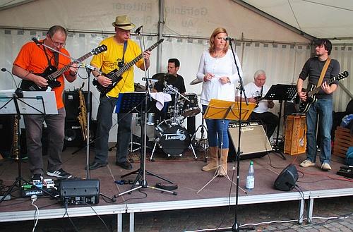CHBB auf dem Straßenfest Wolfartsweier 2015